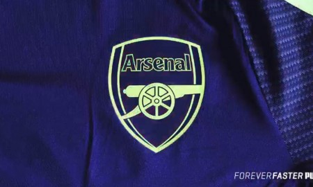 Nueva camiseta alternativa Puma del Arsenal