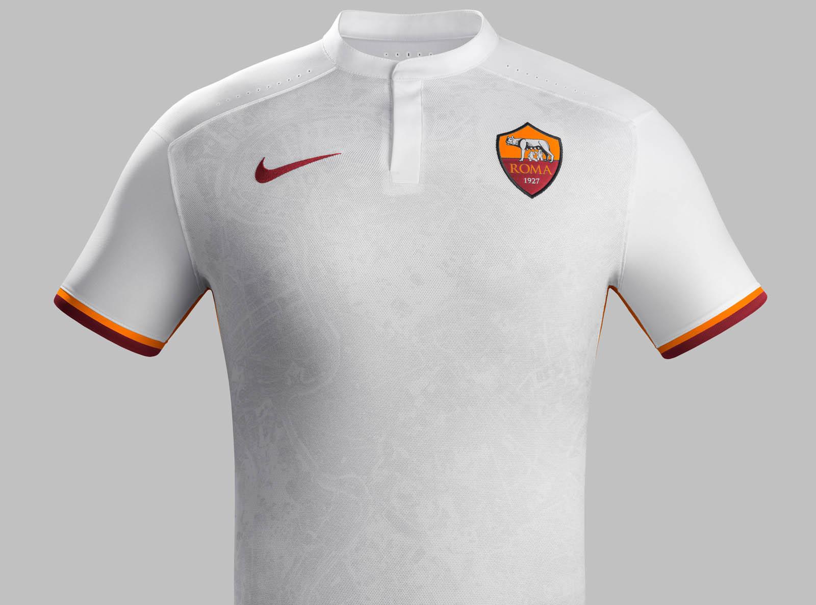 7bb05560f8f AS-Roma-15-16-Away-Kit (3)