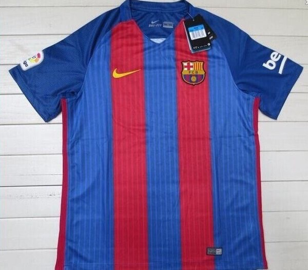 2016-17 barcelona-home-kit