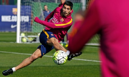 suarez-trains-in-unreleased-adidas-x-15-skeleton-boots-1