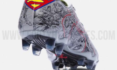 under-armour-clutchfit-superman-boots-4