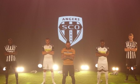 Angers-16-17-kit-launch