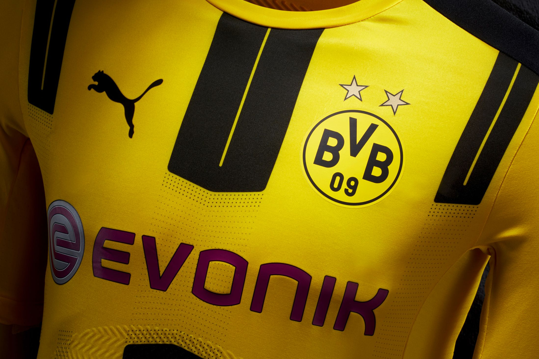 b8506750e4d8e Borussia Dortmund 2016-17 Home Kit Sponsor and Crest