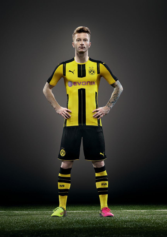 Borussia Dortmund 2016-17 New Home Kit Marco Reus ea7a35c6b