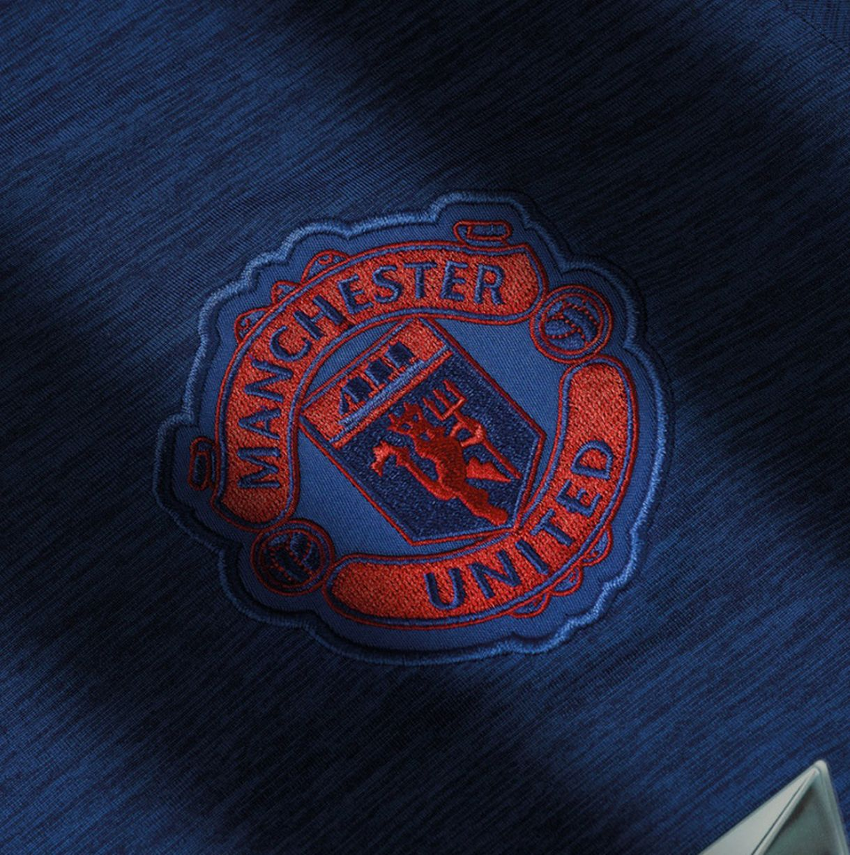 Crest Manchester-United-Away-Shirt-2016-17