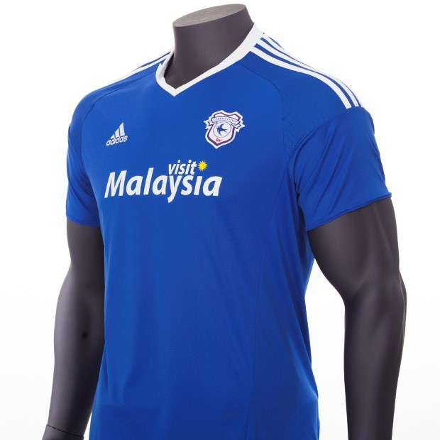 fee58b931 ... Cardiff City Home 2016-17 Kit Chest