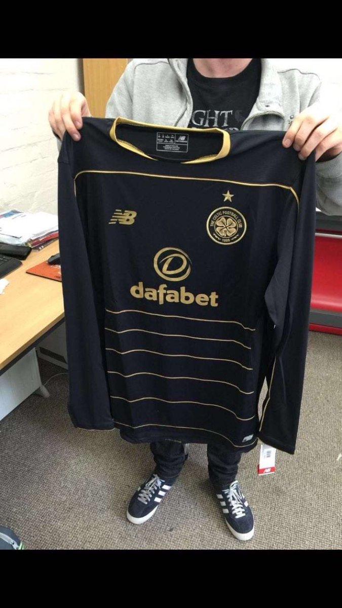 Celtic 2016-17 Away Kit Full
