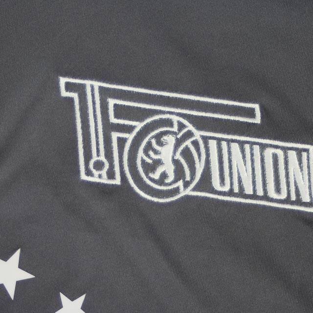 union-berlin-16-17-away-kit-badge