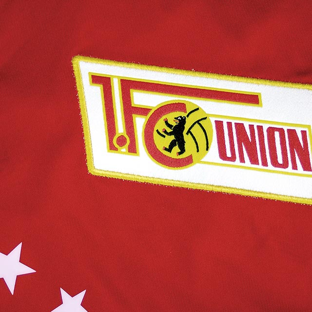 union-berlin-16-17-home-kit-badge