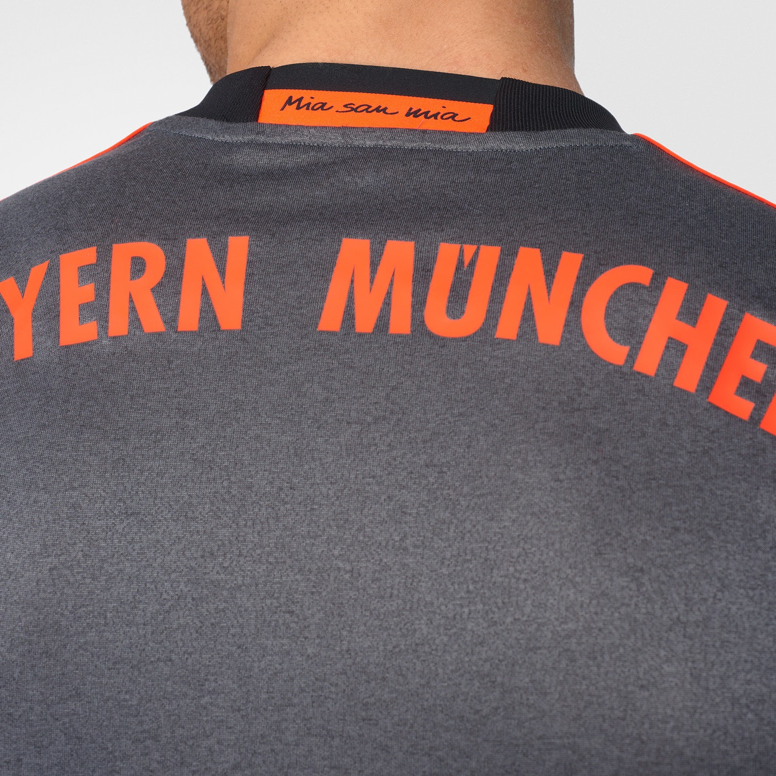 newest a32b0 623b4 Bayern Munich Unveil 2016/17 Away Kit
