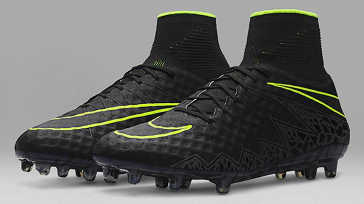 nike-pitch-dark-hypervenom-phantom