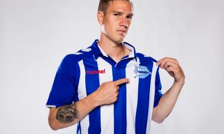 alaves-16-17-la-liga-home-kit-crest