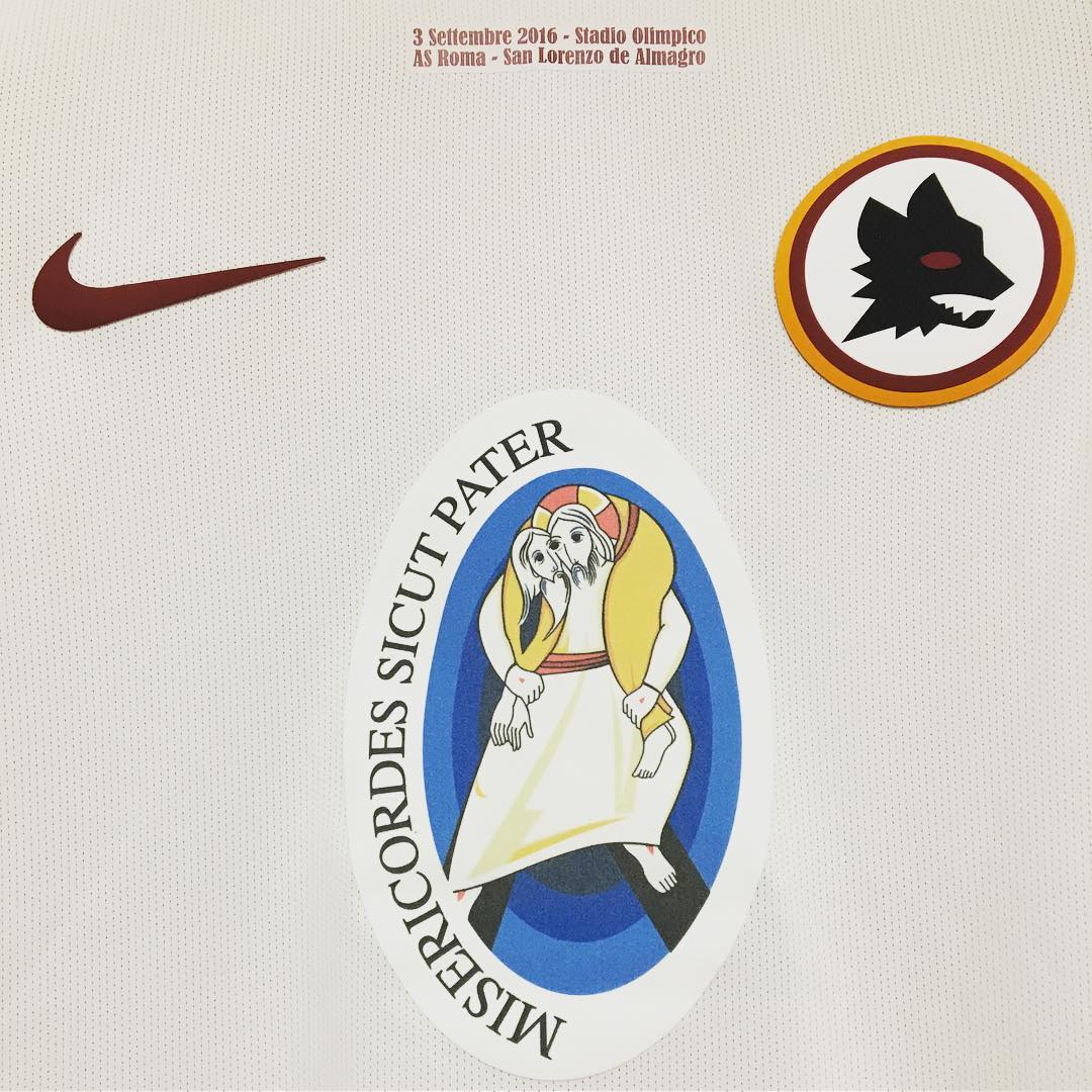 as-roma-special-kit-feature
