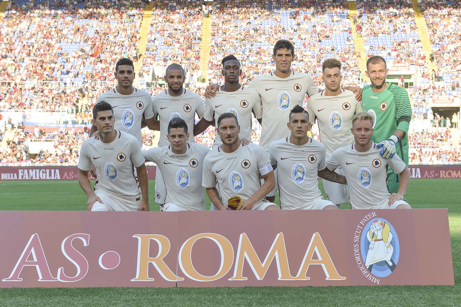 as-roma-special-kit squad