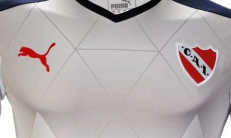 ca-independiente-2016-2017-puma-kit-chest