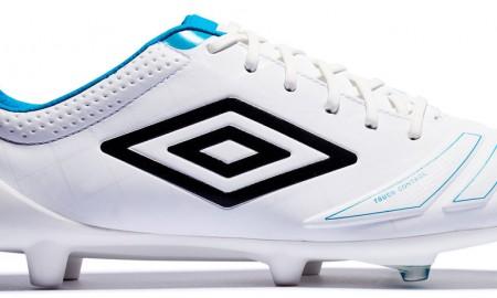 white-bluebird-umbro-ux-accuro-2016-17-boots-outer