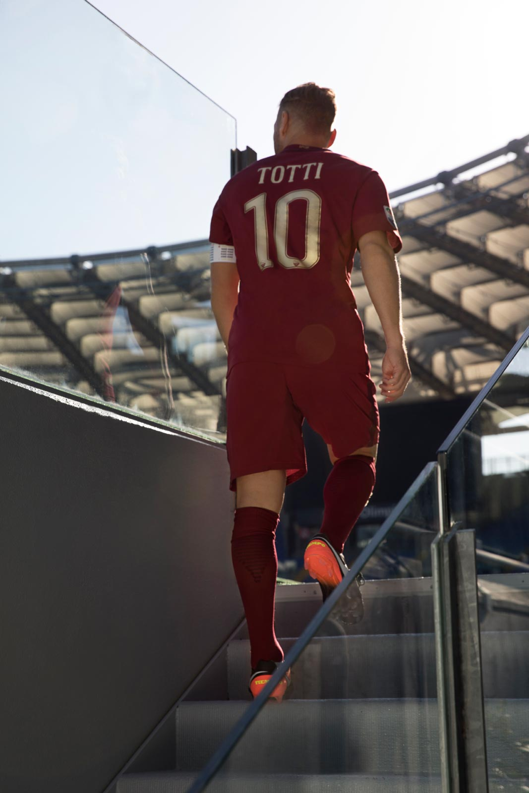 as-roma-2016-17-derby-kit-totti-roman-steps
