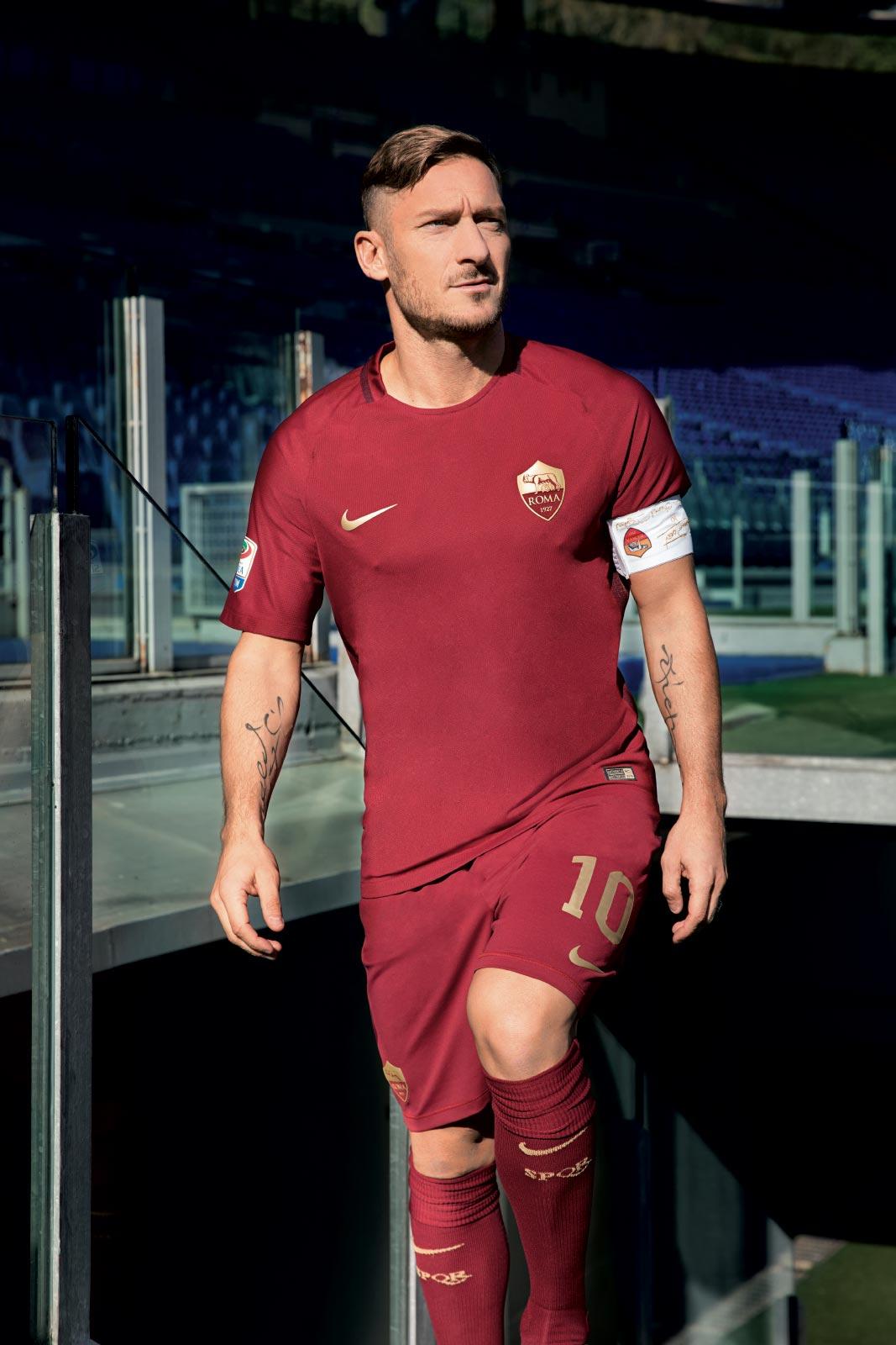 as-roma-derby-kit-totti