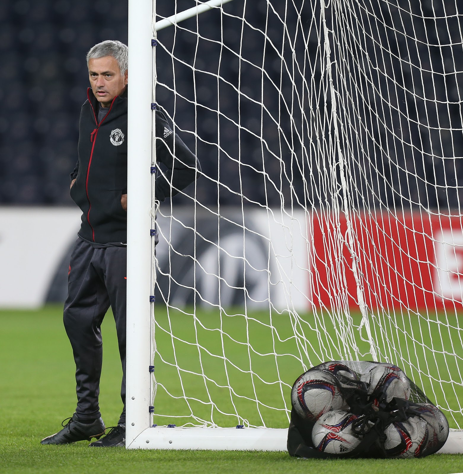 mourinho-porsche-boots-full