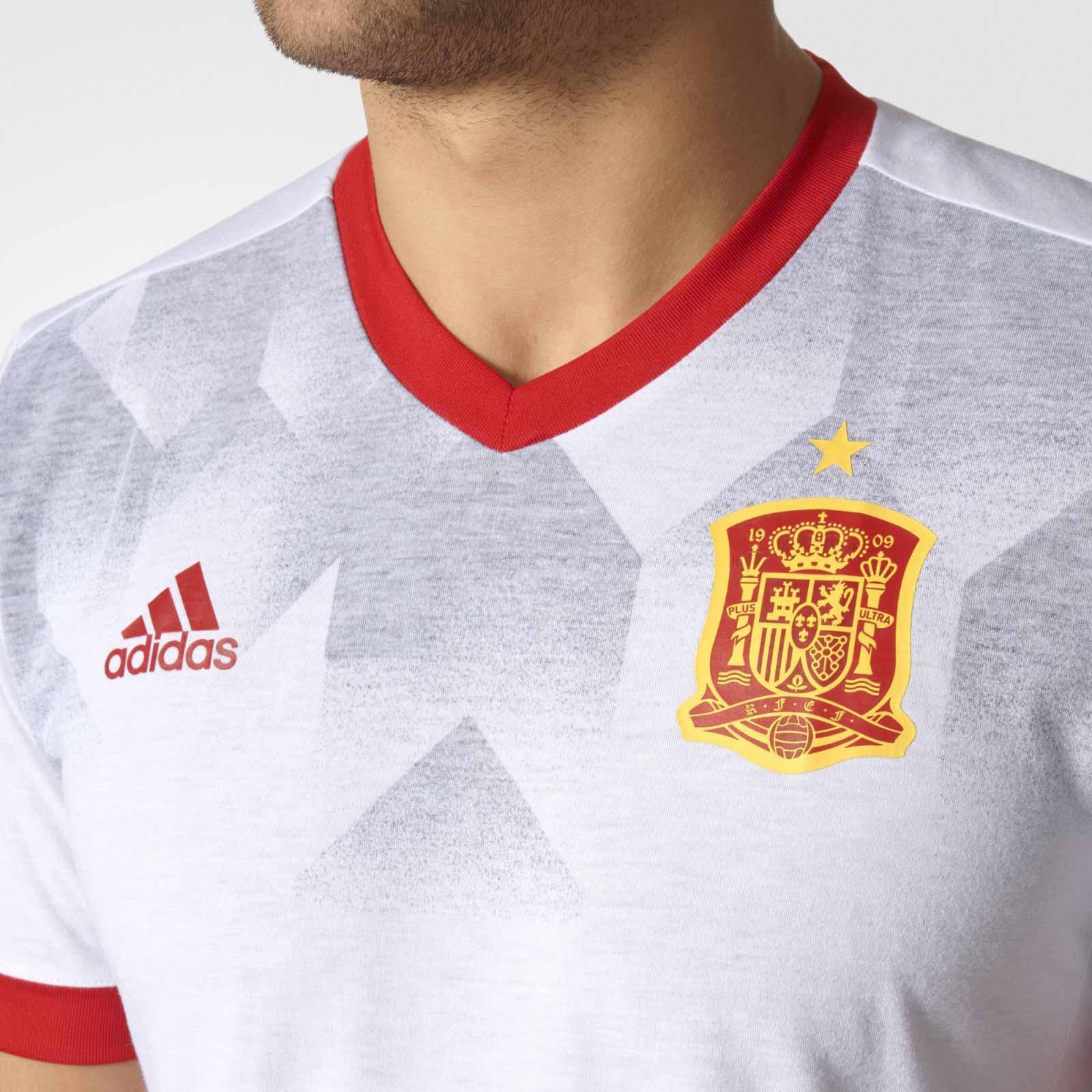 spain-2017-pre-match-shirt-chest