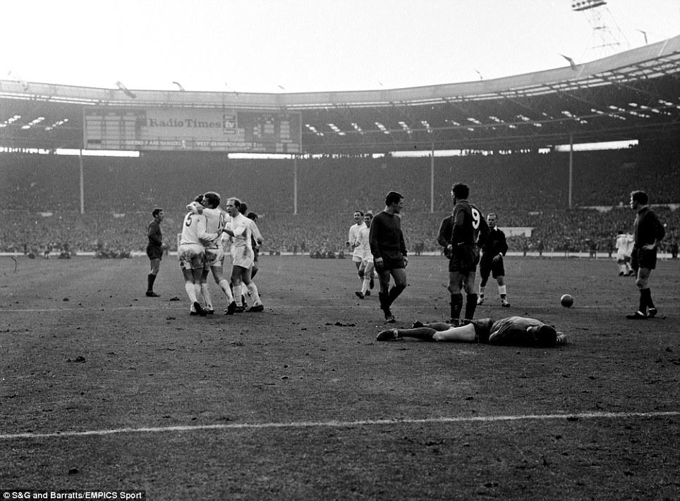 qpr-commemorative-jersey-to-celebrate-1967-league-cup-win-final