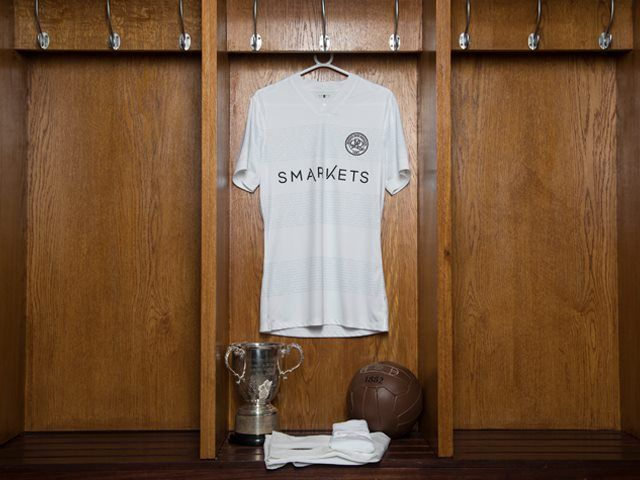 qpr-commemorative-jersey-to-celebrate-1967-league-cup-win-front