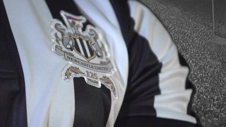 newcastle-united-17-18-home-kit-crest