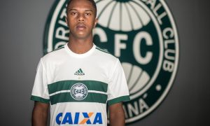 coritiba-17-18-home-kit-lead