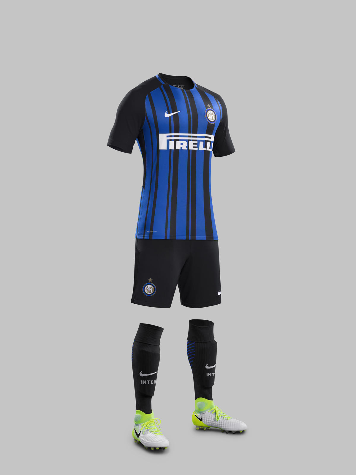 inter_milan_2017_18_nike_home_kit_full