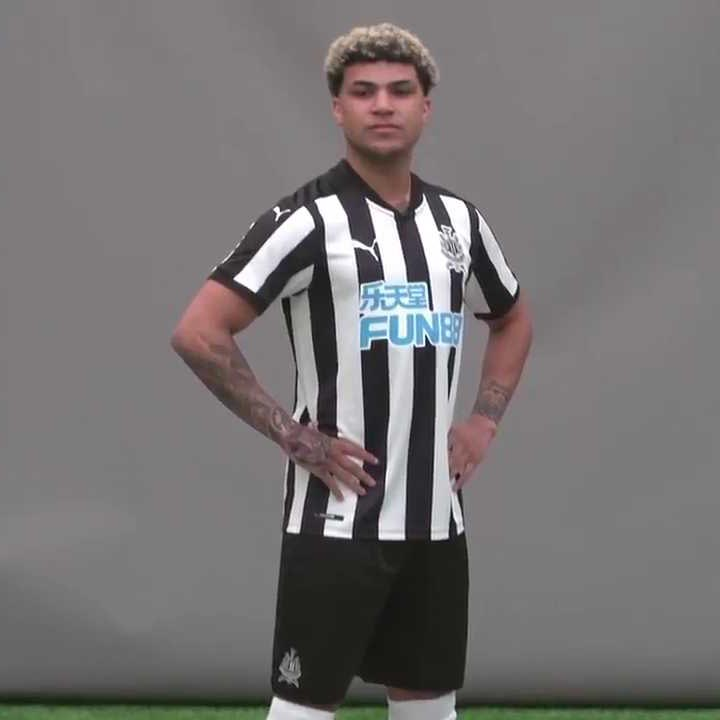 newcastle-united-17-18-home-kit-full
