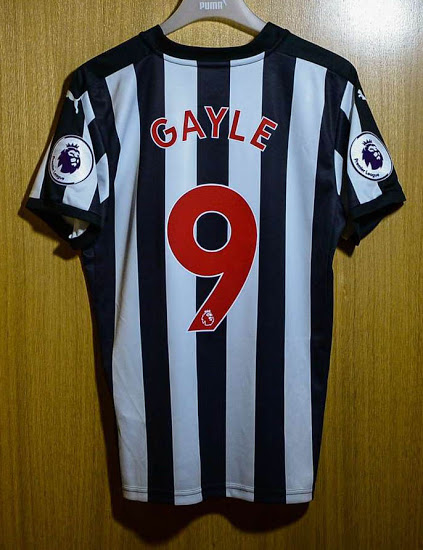 newcastle-united-17-18-kit-back-red-font