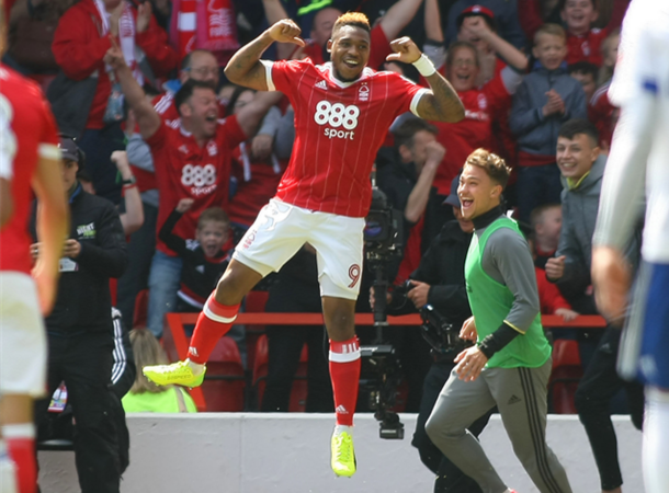 nottingham-forest-home-kit-2017-18-ipswich-town