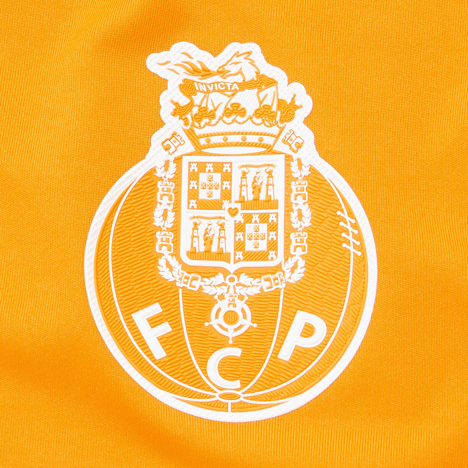 new-balance-porto-17-18-away-shirt-crest