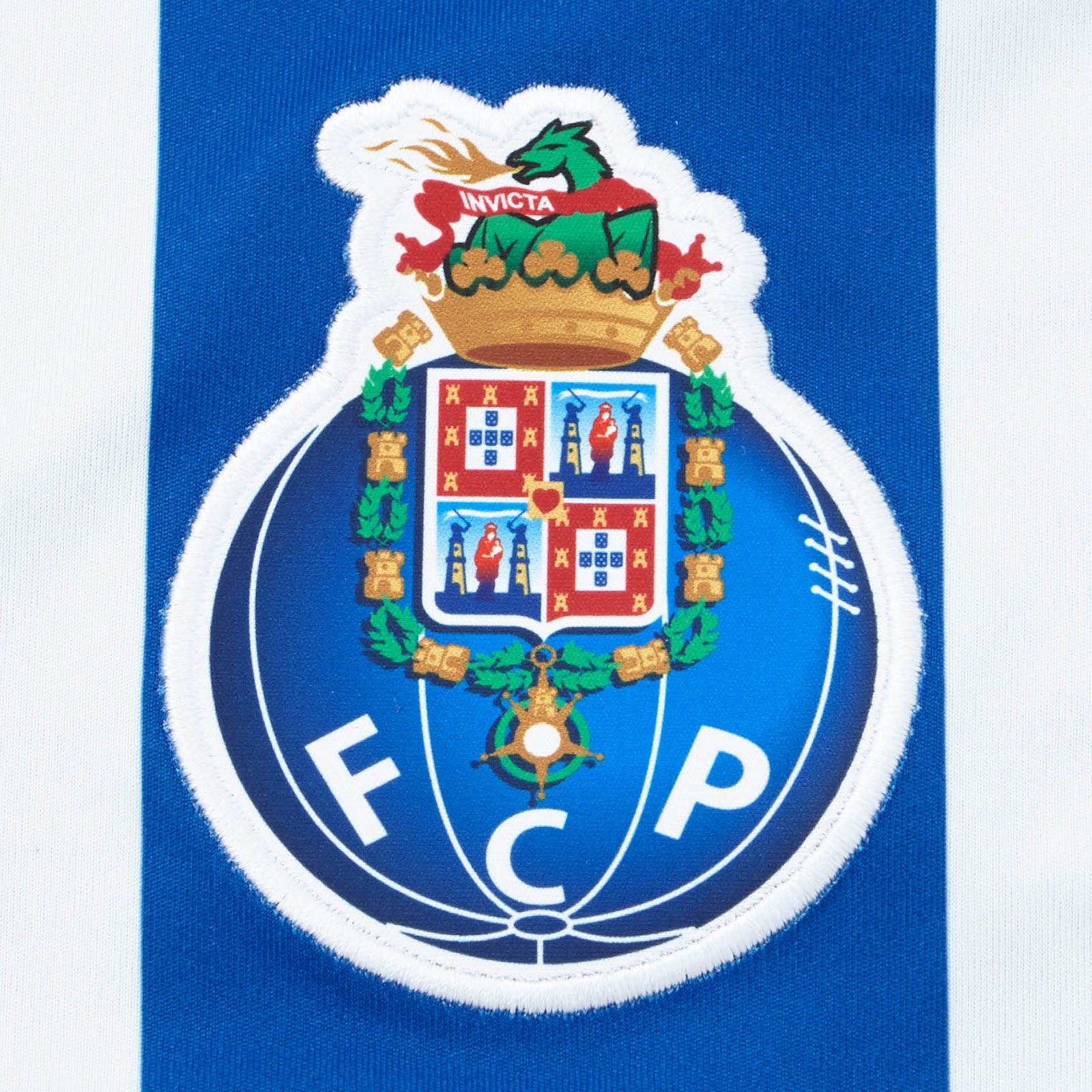 porto-17-18-home-kit-feature