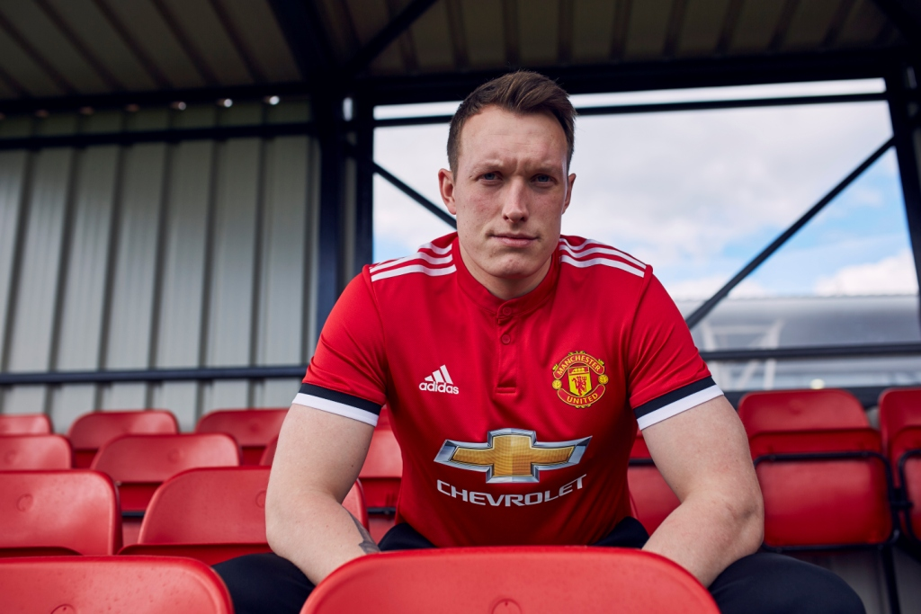 manchester-united-17-18-home-kit-phil-jones