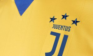 new-juventus-17-18-away-kit-shirt-collar