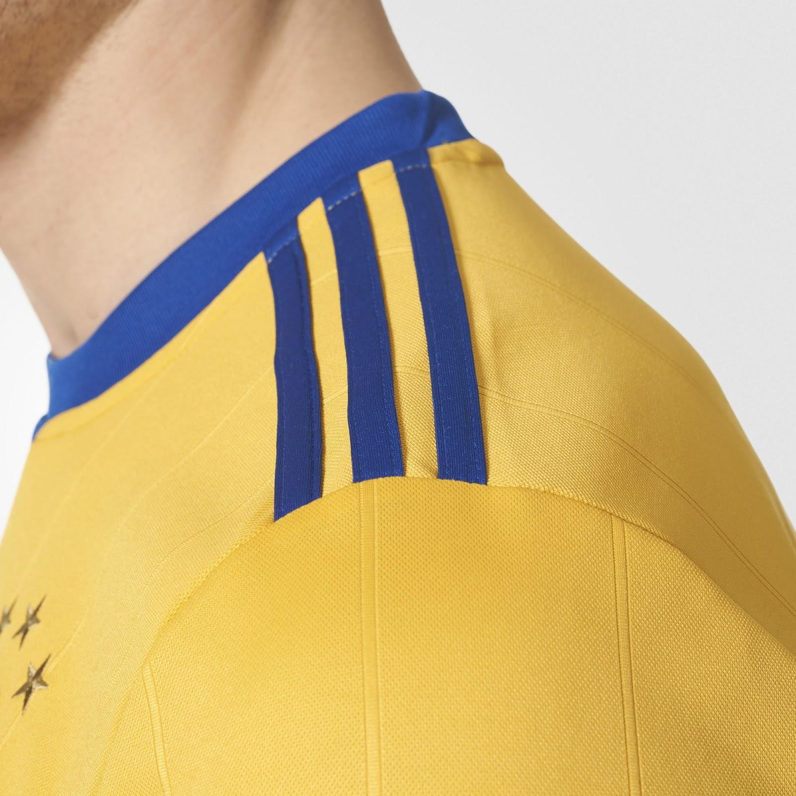 new-juventus-17-18-away-shirt-shoulder