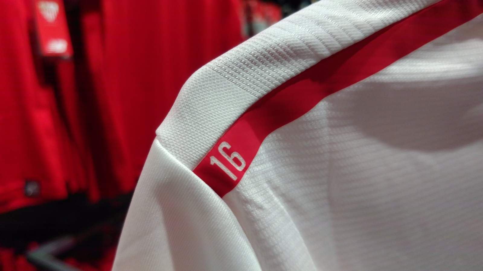 sevilla-17-18-kits-feature