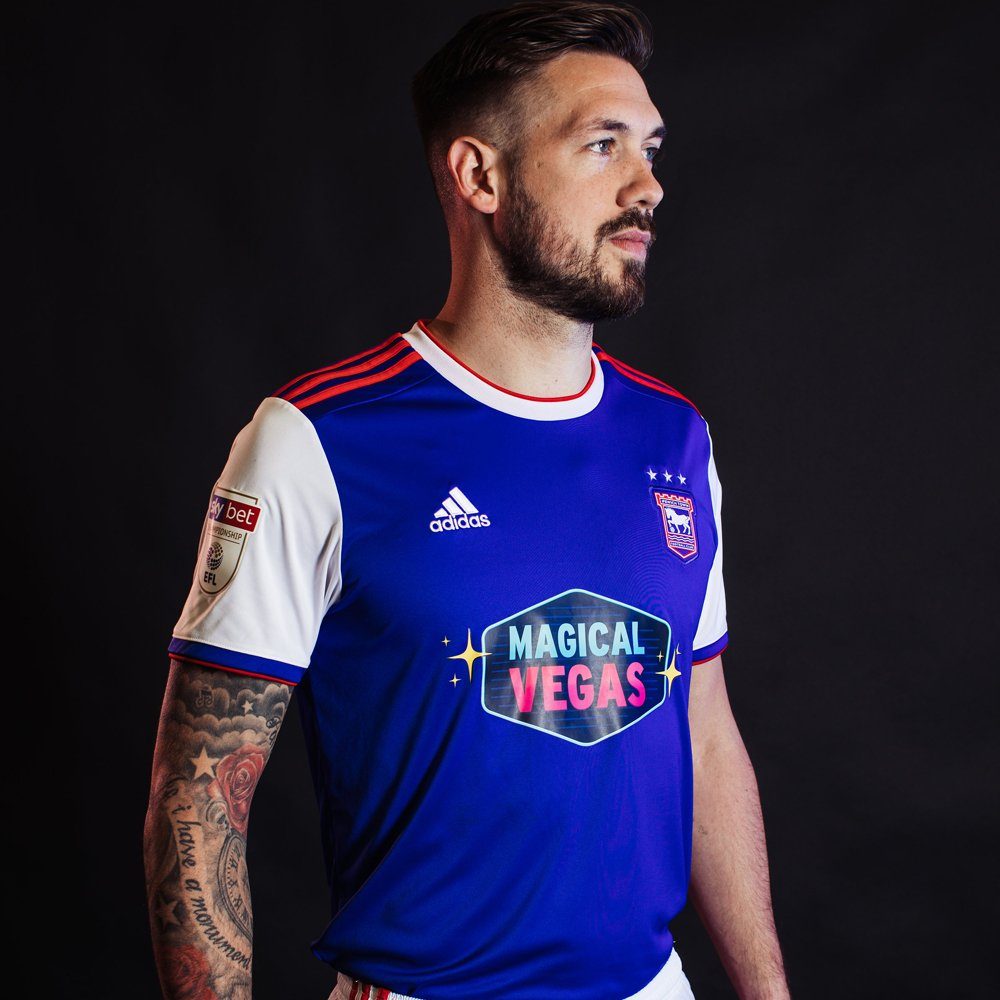 ipswich_town_18_19_adidas_home_kit_a