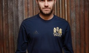 stunning-adidas-manchester-united-1968-special-edition-kit-2