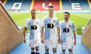 blackburn_rovers_18_19_umbro_home_kit_a