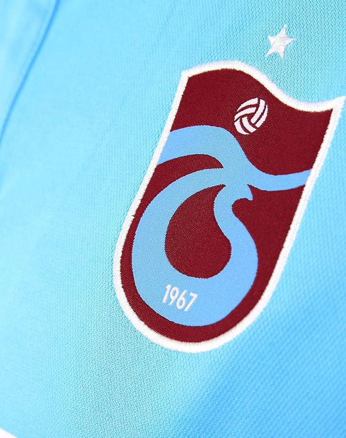 trabzonspor_18_19_macron_away_kit_d