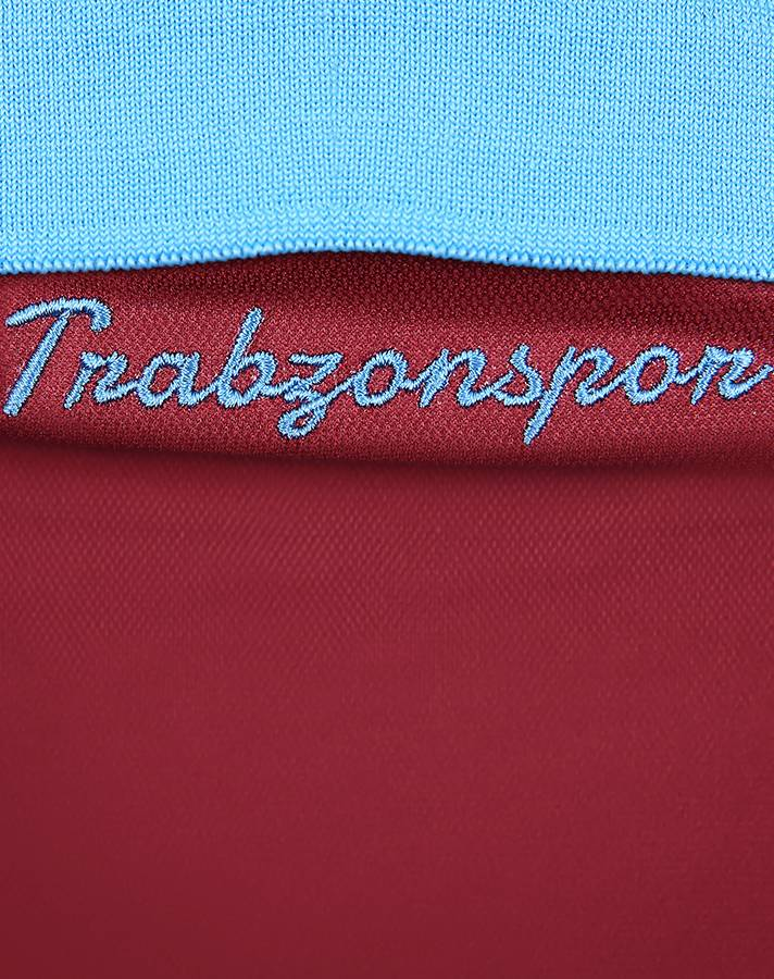 trabzonspor_18_19_macron_home_kit_e